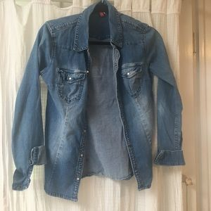 H&M denim button up. Will donate by 4/5